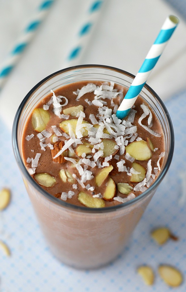 Skinny minnie Almond joy shake